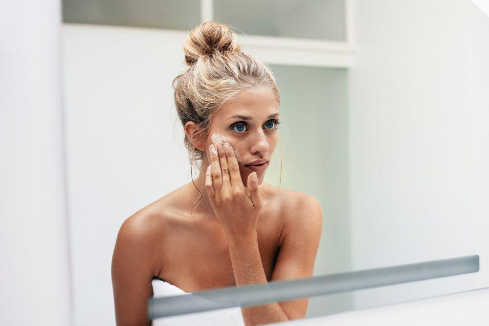 Каква е разликата между суха и дехидратирана кожа?