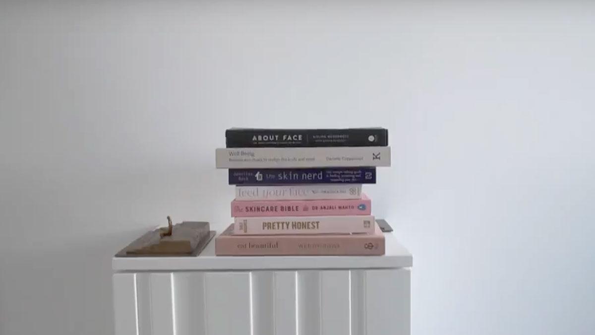 Годишен скинчек - книги